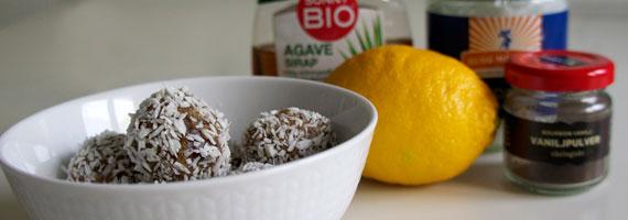 Raw food-bollar med kokos och citron